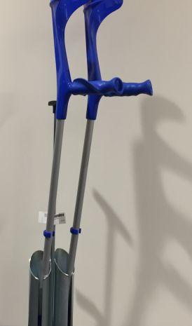 Unterarmgehstütze mit Softgriff schwarz / blau